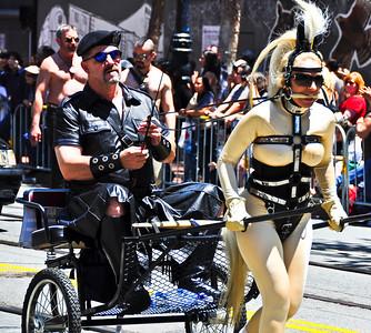 parade-chariot-2