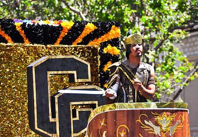 parade-float-man