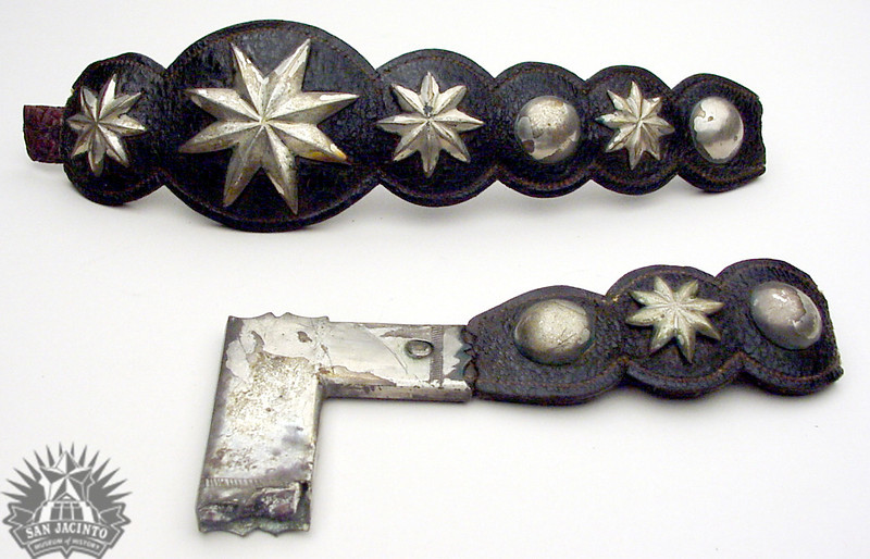 Pieces of bridle decorated with eight-pointed stars and rivets in silver that belonged to Antonio López de Santa Anna. It was auctioned to Sidney Sherman in the sale of captured goods following the Battle of San Jacinto.