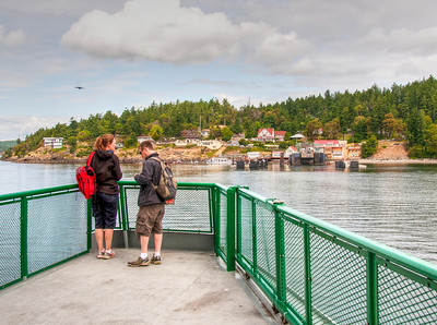 orcas-island-ferry-couple
