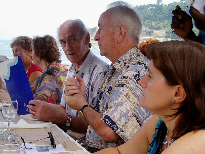 23 de Agosto, comida al borde de la playa