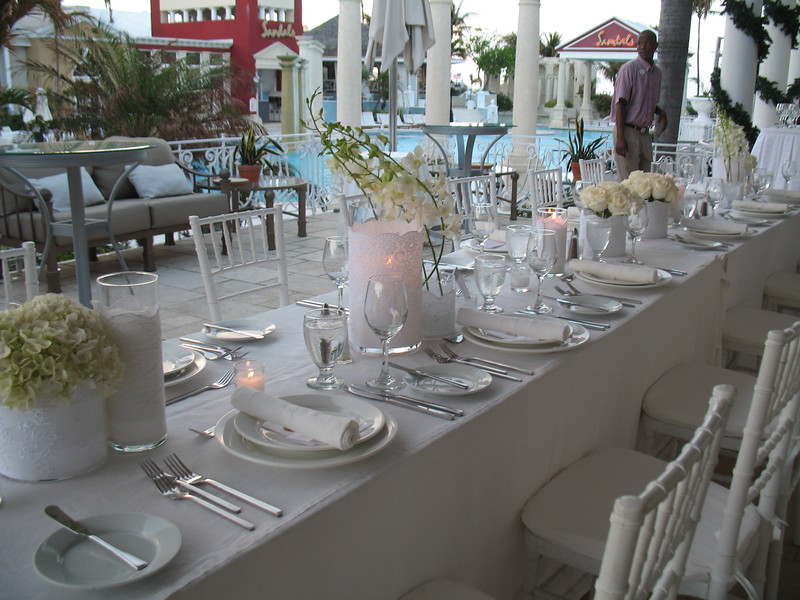 Vision in White at Sandals Royal Bahamian- set up on the Balmoral side patio. This is an alternative location under cover but still outside because of the rainshowers!