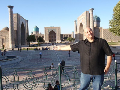 005_17 ans, Samarkand, Registan Square, means Place of Sands  Papou