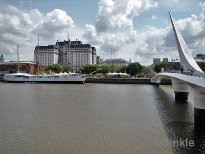 Puente de la Mujer & ARA Presidente Sarmiento, Puerto Madero
