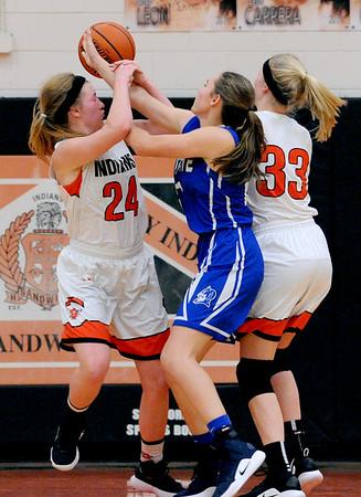 SAR.11018.SPORTS.Sandwich girls basketball