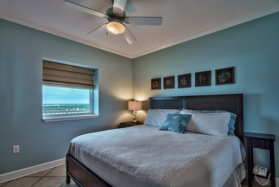 Master King bed, view of Lagoon
