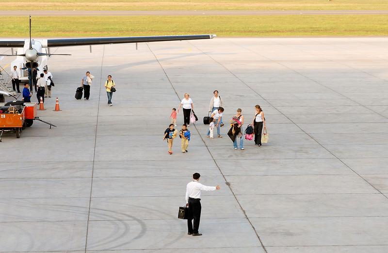SANTE FRANCE LAOS : Aéroport International Wattay