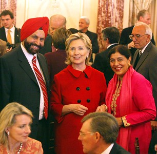 Secretary of State Hillary clinton Sant Chatwal Chairman Indian American Democrats and Daman Chatwal at a lunchoon hosted on behalf pf Prime Minister Manmohan Singh at Dept of State in Dc on 24th-09...pic Mohammed Jaffer-SnapsIndia