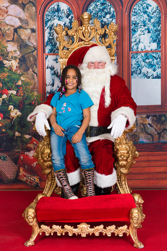 Santa 12-7-17-084