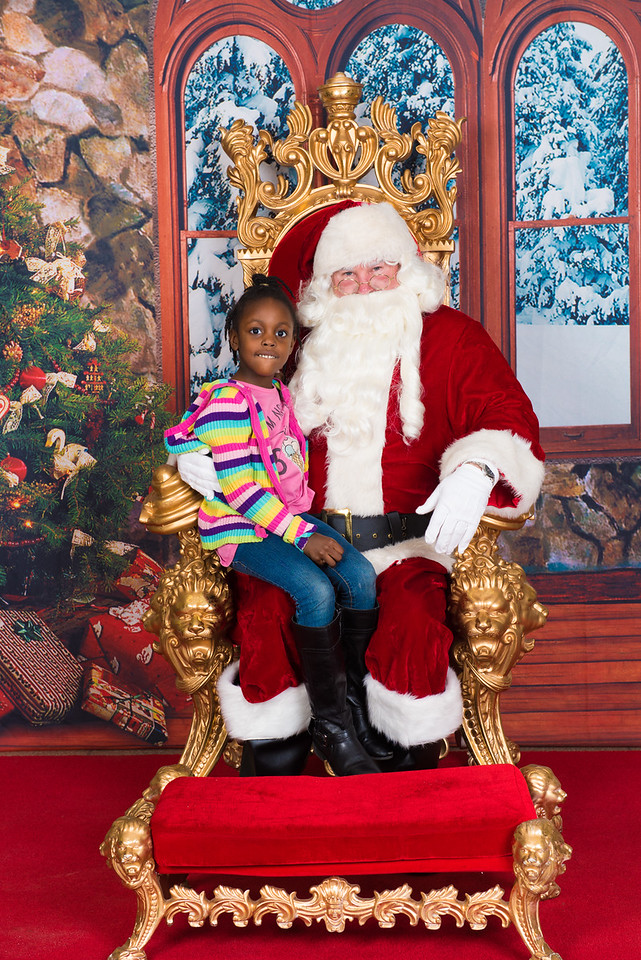 Santa 12-7-17-078