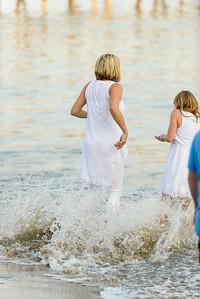6396_d800b_Tierra_B_Capitola_Beach_Family_Photography