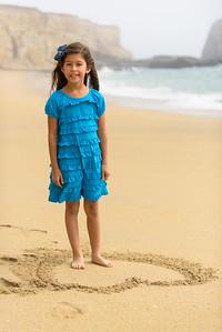 8996_d810a_Monica_Panther_Beach_Santa_Cruz_Family_Photography