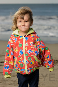 1209_d800b_Judy_G_Seabright_Beach_Santa_Cruz_Multi-Family_Photography_Portraits