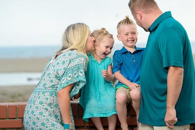 Rio Del Mar / Seacliff Beach - Aptos family photos - by Bay Area portrait photographer Chris Schmauch