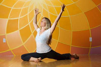 6386-d3_Divinitree_Santa_Cruz_Yoga_Portrait_Photography