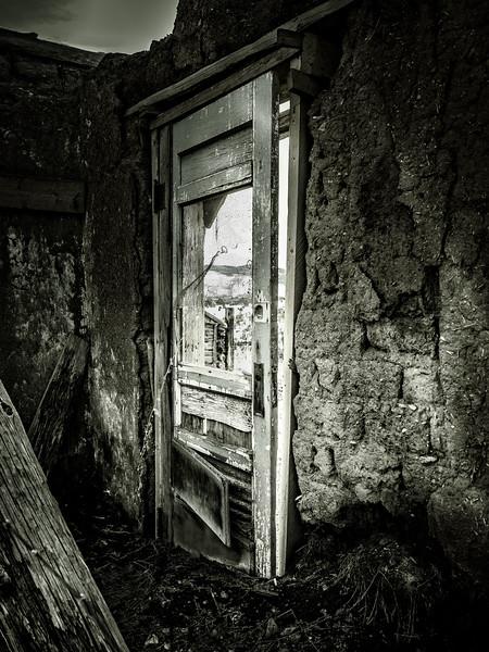 Abandone adobe home, Truchas, New Mexico