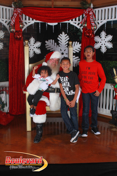 Santa 12-17-16-594