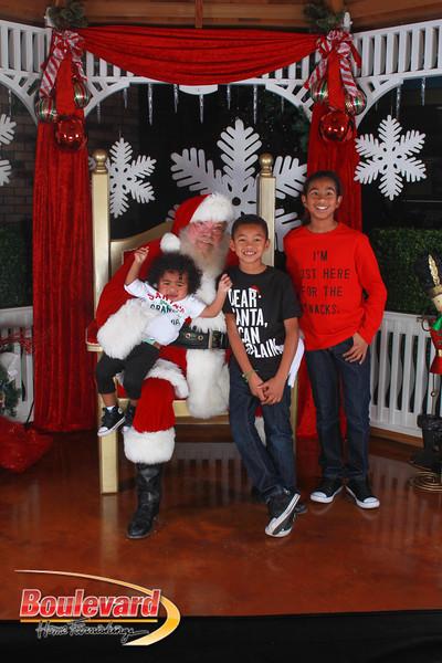 Santa 12-17-16-595