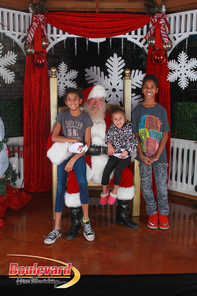 Santa 12-17-16-592