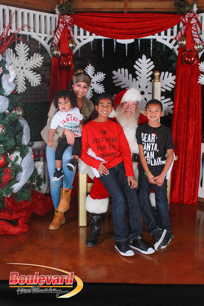 Santa 12-17-16-597