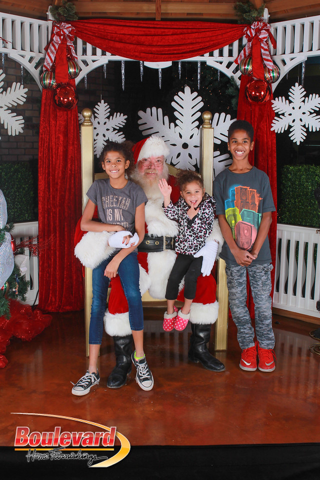 Santa 12-17-16-591