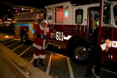 Santa's Sleigh is E611B Enroute To One Loudoun