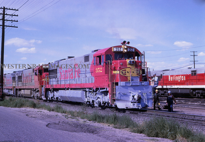 ATSF 133 - Oct 11 1968 - GE 352 heading football special @ Pueblo Colo - Jim Ozment