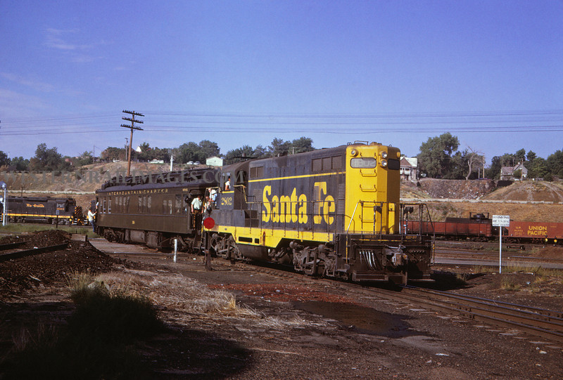 ATSF 112 - jul 6 1968 - GP-7 & NRHS 96 @ Pueblo Colo - Jim Ozment