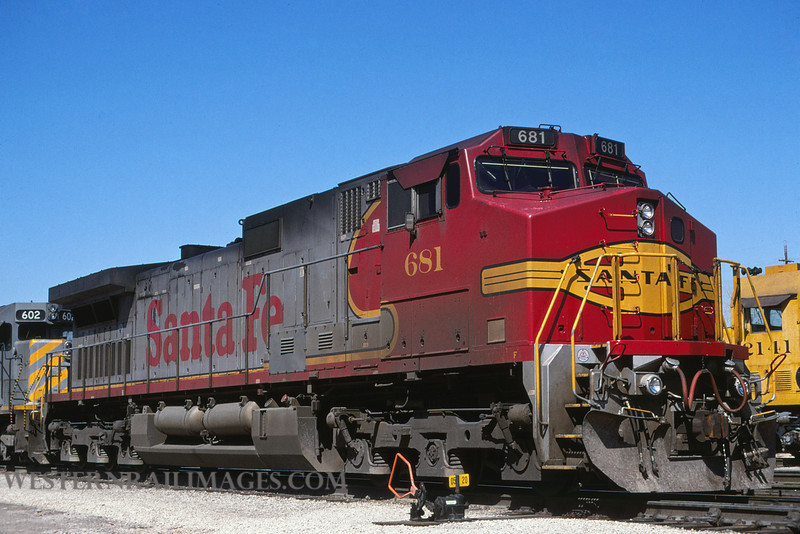 ATSF 690 - Apr 22 1999 - loco 681 dash 9 @ Kansas City KS by L Coone (1)