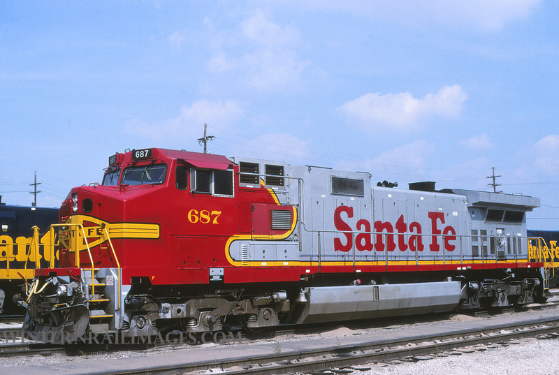ATSF 704 - Sep 5 1997 - loco 687 @ Kansas City KS - by L Coone