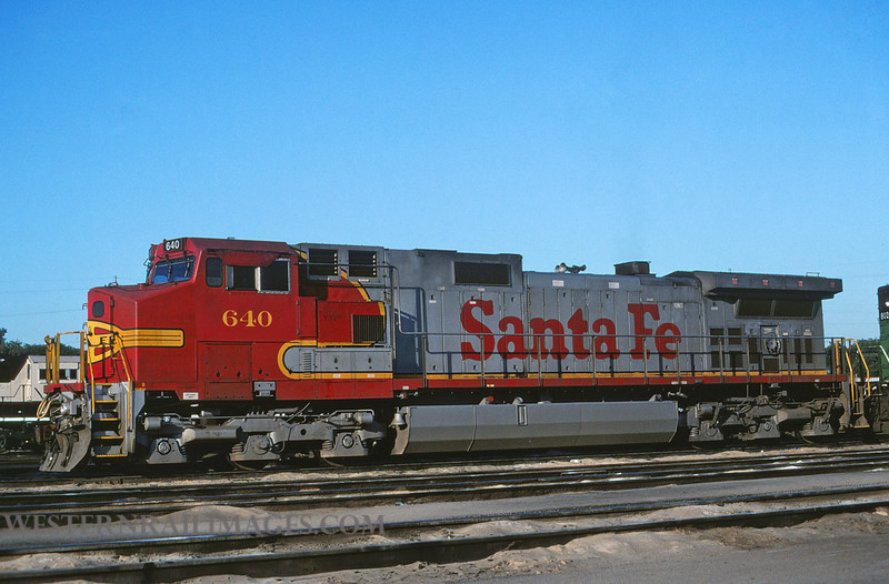 ATSF 637 - July 16 1999 - loco 640 GE dash 9 @ Kansas City KS by L Coone