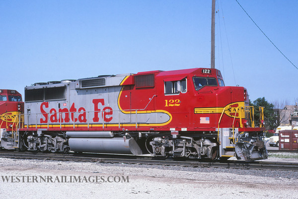 ATSF 52 - July 18 1992 - GP60 no 122 @ Chicago Ill - by L Coone