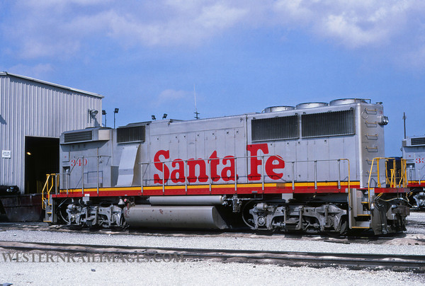 ATSF 231 - Jul 18 1992 - no 340 GP60B @ Chicago Ill - by L Coone
