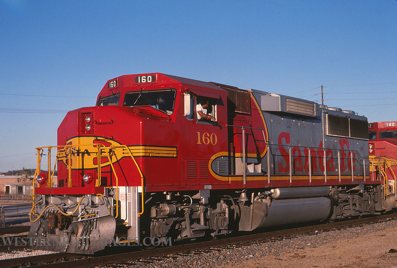 ATSF 121 - OCT 22 1990 - GP60M no 160 @ Kansas City KS - by L Coone