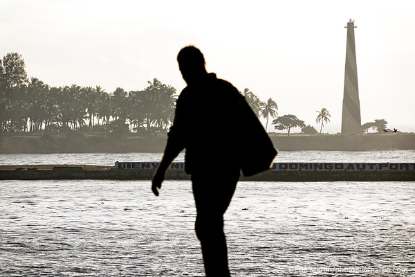 REPUBLIQUE DOMINICAINE. LA VILLE COLONIALE DE SANTO DOMINGO. SAINT DOMINGUE. PHARE DE LA POINTE TORRECILLA