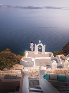Cross at the edge!! - Oia, Santorini