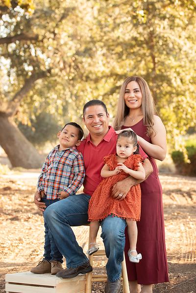 Santoya Family 2019-8703