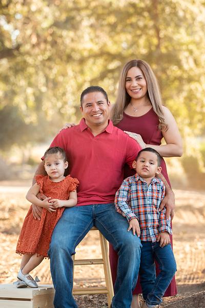 Santoya Family 2019-8693