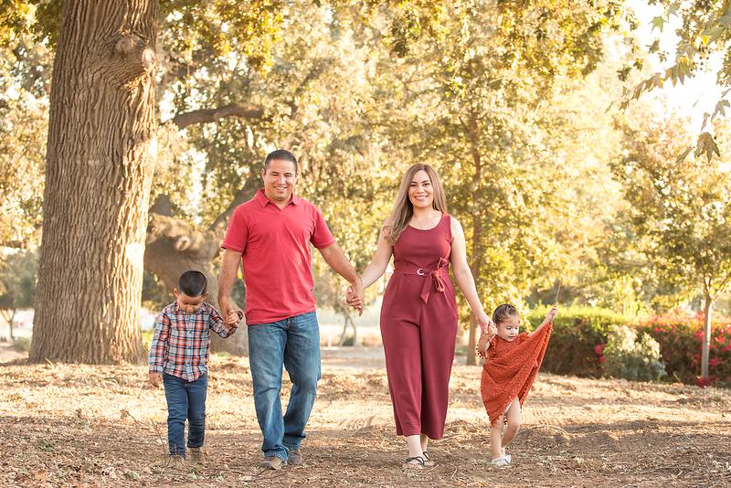 Santoya Family 2019-8755