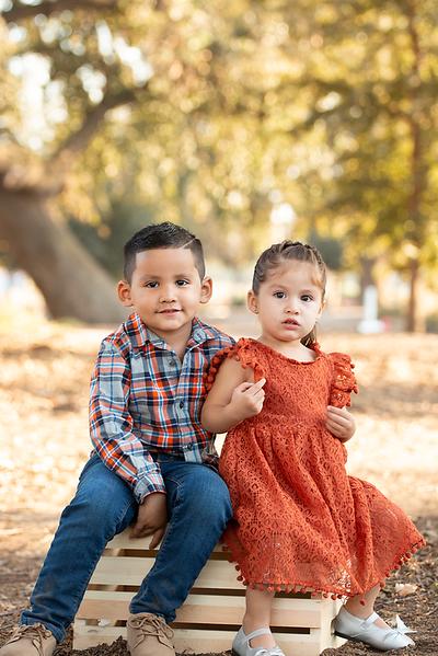 Santoya Family 2019-8724