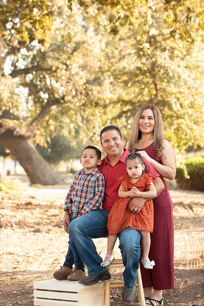 Santoya Family 2019-8713