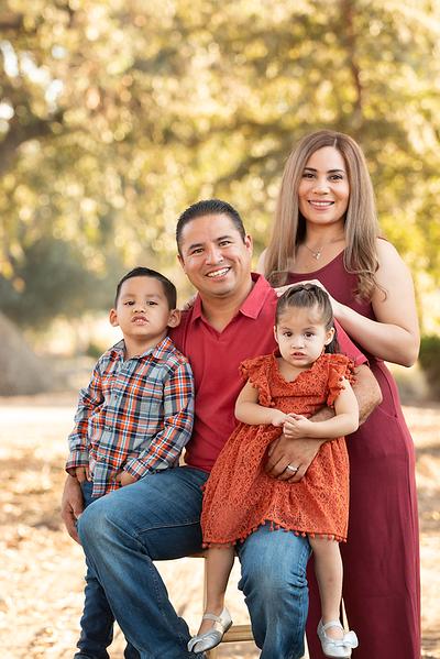 Santoya Family 2019-8709