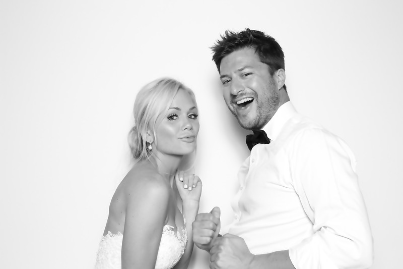 Sara & Jason Wedding (BW SkinGlow Booth)