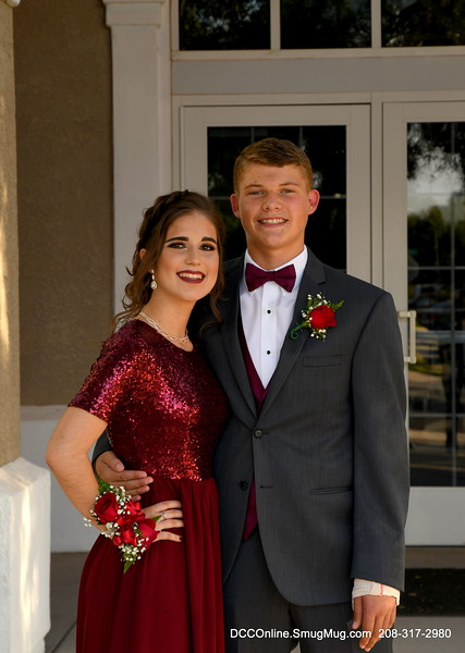 Sarah Soto and friends Prom 2018