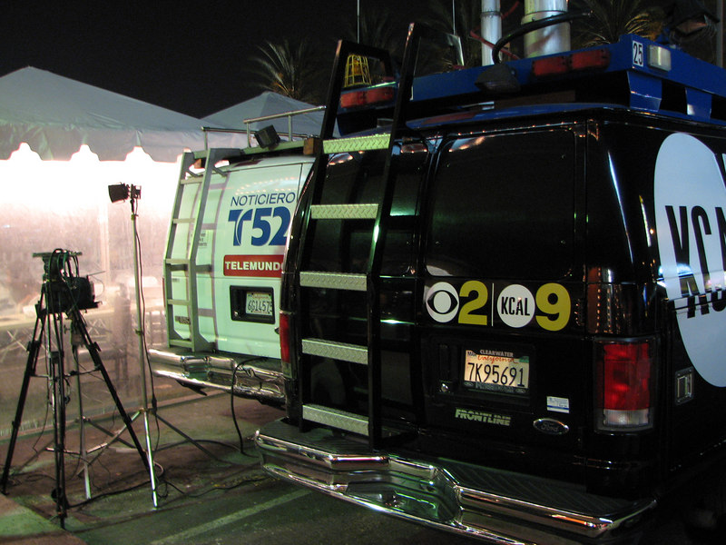 2006 11 22 Wed - TV news vans