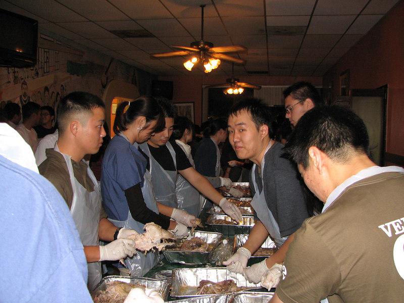 2006 11 23 Thu - Sarang EM shredding turkeys 3