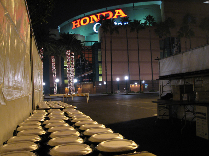 2006 11 23 Thu - Pumpkin pies & Honda Center