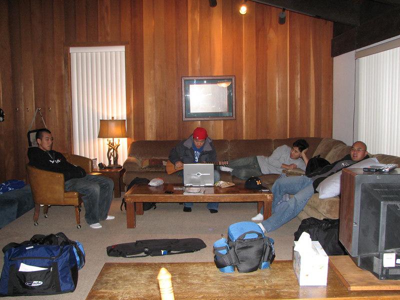 2007 01 05 Fri - Scott Chow's cabin - Scott Chow, Brian Suh, John, & Chris Ko Chillin' like villains in la salle de livin' 2