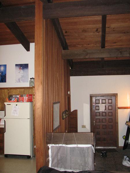 2007 01 05 Fri - Scott Chow's cabin - Kitchen & foyer with flash