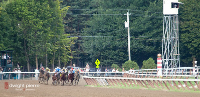 travers stakes final stretch 2012 (9 of 66)